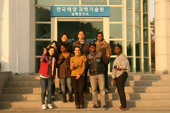Visit by foreign students joined in KOICA